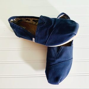 Toms Solid Navy Blue Fabric Flats size 9